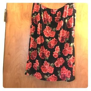 NWT Flower skirt size 2X.
